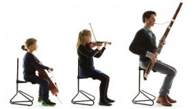 Oktavia Chair, der Musikerstuhl, der mitwächst